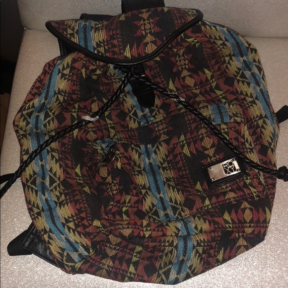 Roxy Handbags - NWT: Roxy book-bag